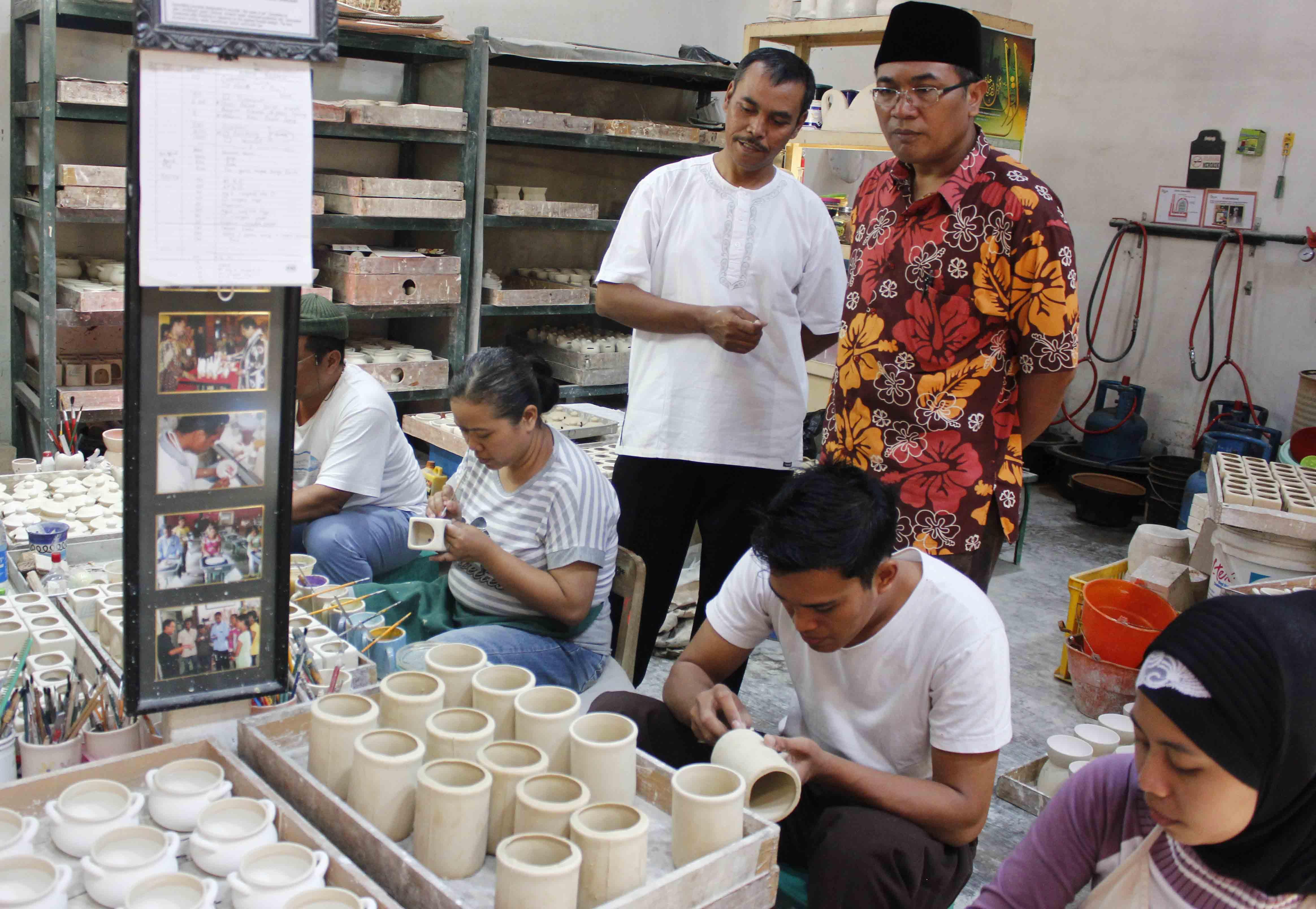 keramik-dinoyo